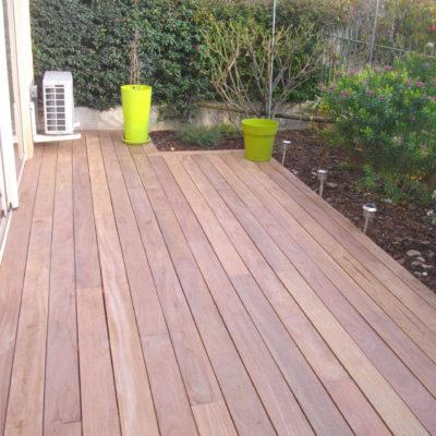 Pose d'une terrasse en bois de peuplier